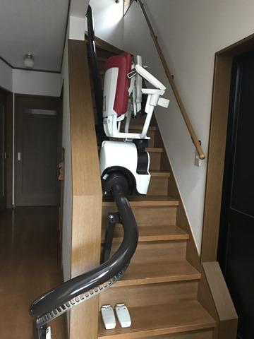 椅子式階段昇降機取付完了