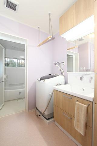 清潔感あふれる洗面台